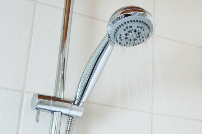Pas på faldfælder i badeværelset
